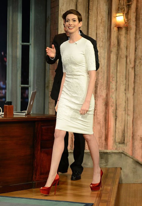 anne-hathaway-late-night-with-jimmy-fallon