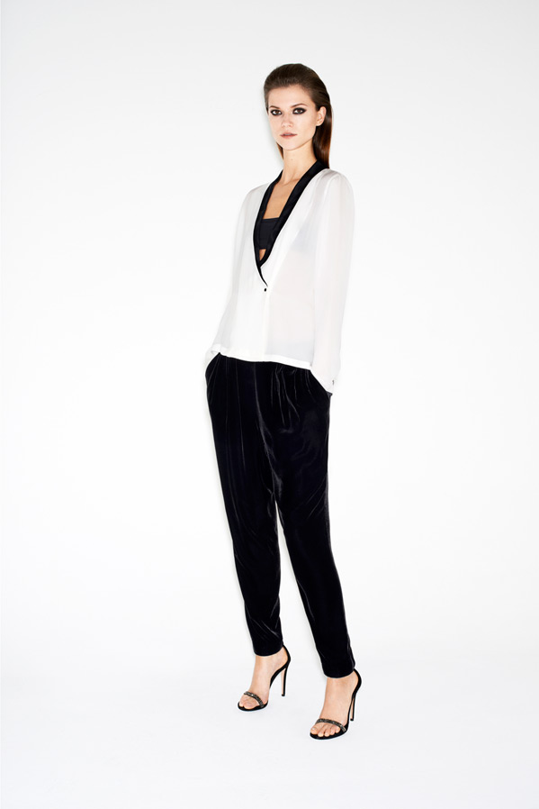 zara-twelve-lookbook-kasia-struss-velvet-harem-pants-sandals-with-sparkly-straps