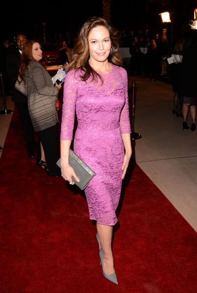 diane-lane-24th-annual-palm-springs-international-film-festival-awards-gala-dolce-gabbana-lace-dress-jimmy-choo-cayla-wetlook-pave-clutch-1