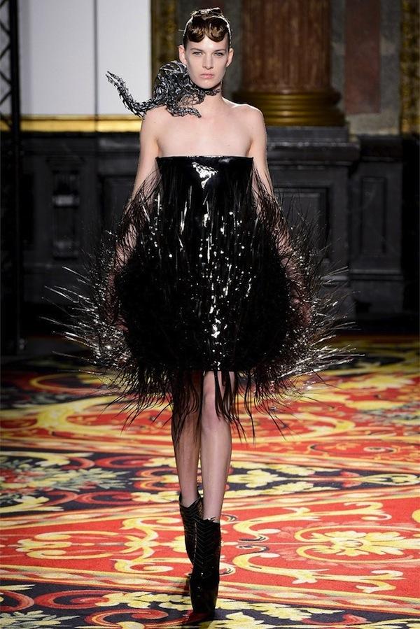 iris-van-herpen-couture-spring-2013-7