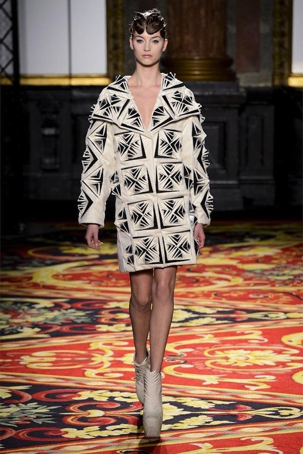 iris-van-herpen-couture-spring-2013-9