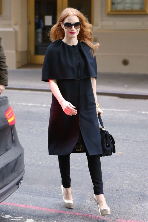 jessica-chastain-walter-kerr-theater-new-york-city-the-heiress-dolce-gabbana-caped-coat-dolce-gabbana-sunglasses-gucci-lady-stirrup-suede-bag