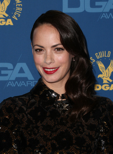 berenice-bejo-65th-annual-directors-guild-of-america-awards-los-angeles-louis-vuitton-pre-fall-2013-dress-louis-vuitton-monceau-bb-mini-bag-1