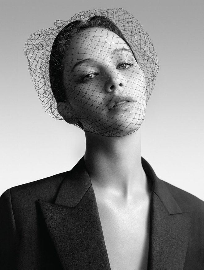 jennifer-lawrence-by-willy-vanderperre-for-miss-diors-ad-campaign-4