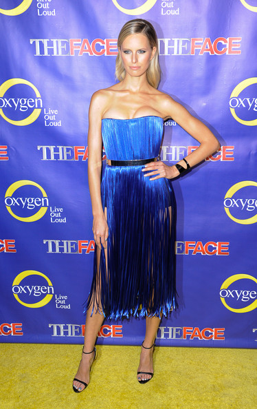 karolina-kurkova-the-face-series-premiere-new-york-city-dimitri-fall-2013-dress