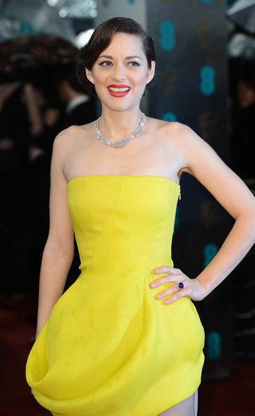 marion-cotillard-2013-bafta-awards-london-christian-dior-couture-spring-2013-gown