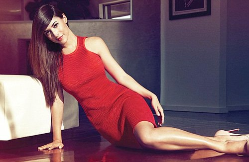 hannah-simone-by-dove-shore-for-glow-magazine-april-2013-1