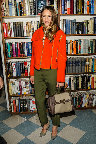 jessica-alba-the-honest-life-book-signing-huntington-new-york-fendi-fall-2013-look-salvatore-ferragamo-small-sofia-mixed-media-top-handle-bag