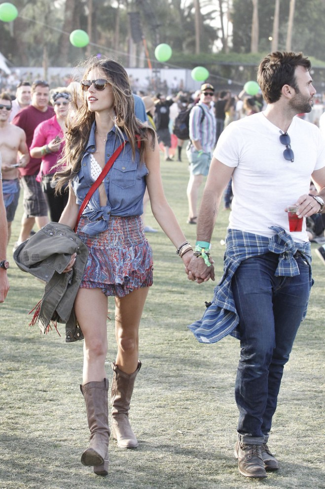 alessandra-ambrosio-coachella-siwy-denim-lana-raw-edge-sleeveless-top-isabel-marant-silea-paisley-skirt