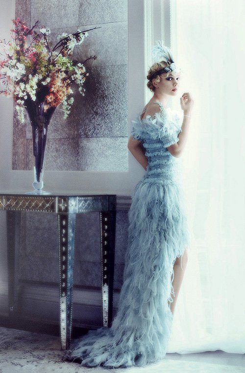 carey-mulligan-by-mario-testino-for-vogue-may-2013-1