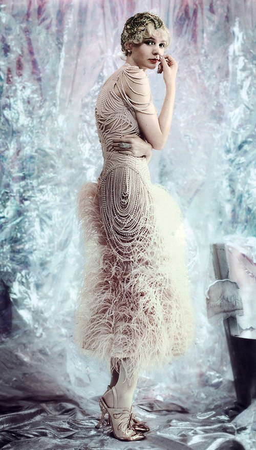 carey-mulligan-by-mario-testino-for-vogue-may-2013-3