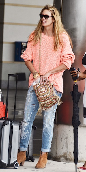 elle-macpherson-barbados-grantley-adams-international-airport-paul-and-joe-grantley-sweater-antik-batik-mirror-coral-bag-ash-jalouse-boots