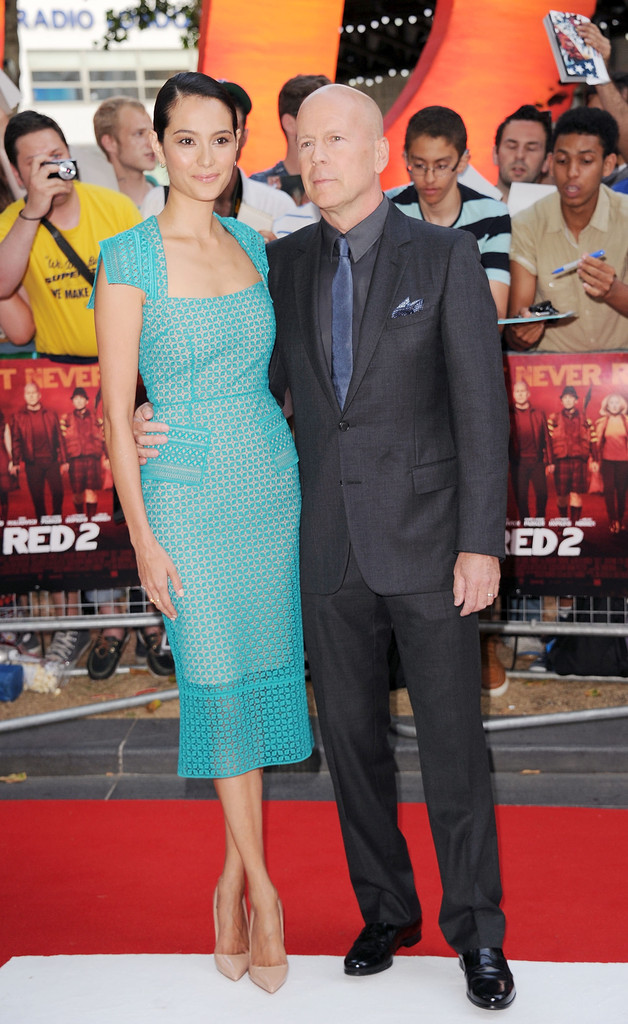 emma-heming-red-2-london-premiere-roland-mouret-titanium-dress