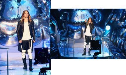jared-leto-2013-mtv-video-music-awards-saint-laurent-black-white-ribbed-zipped-biker-pants-2