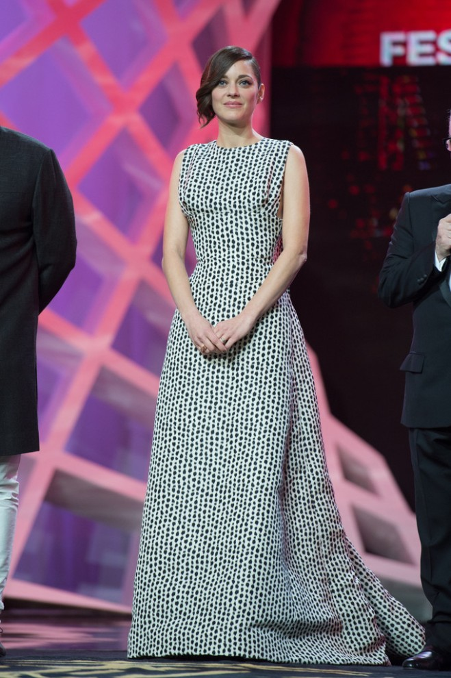 marion-cotillard-marrakech-international-film-festival-opening-ceremony-christian-dior-fall-2013-couture-gown-1