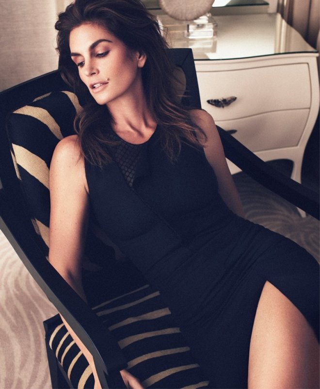 cindy-crawford-by-xavi-gordo-for-harpers-bazaar-russia-march-2014-3
