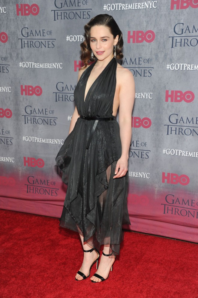emilia-clarke-game-of-thrones-season-4-premiere-new-york-city-donna-karan-fall-2014-dress-1