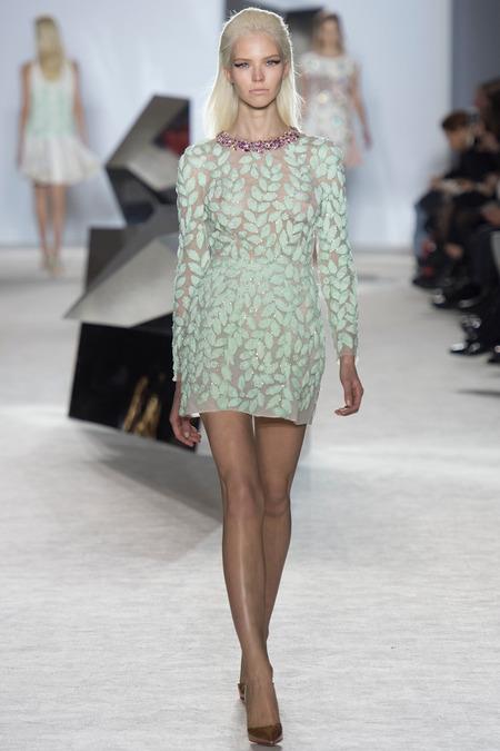 giambattista-valli-spring-2014-couture-sasha-luss