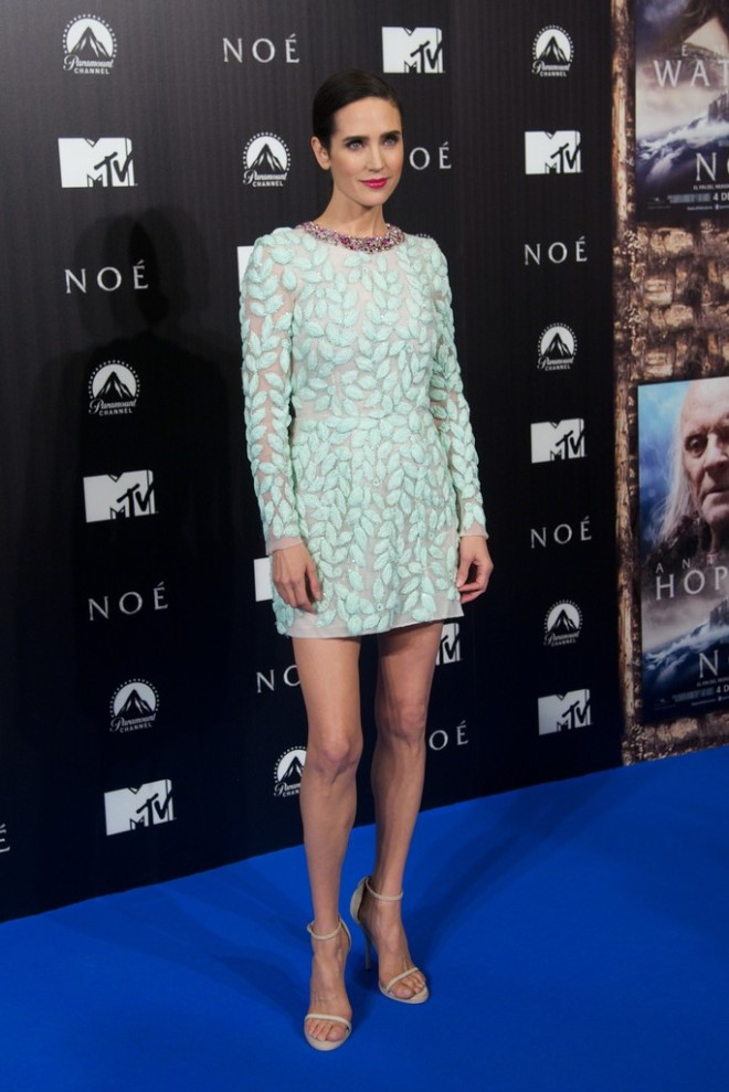 jennifer-connelly-noah-madrid-premiere-giambattista-valli-spring-2014-couture-dress-1