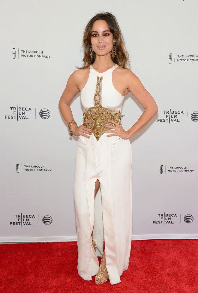 berenice-marlohe-5-to-7-2014-tribeca-film-festival-premiere-sass-and-bide-the-rapids-run-tailored-dress-1