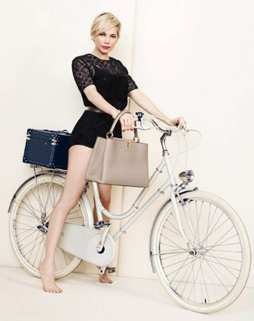 michelle-williams-by-peter-lindbergh-for-louis-vuitton-spring-2014-ad-campaign-styled-by-carine-roitfeld-2