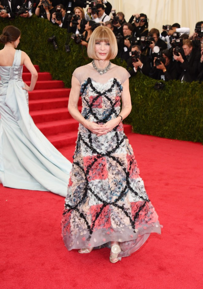 anna-wintour-2014-met-gala-chanel-fall-2013-couture-gown
