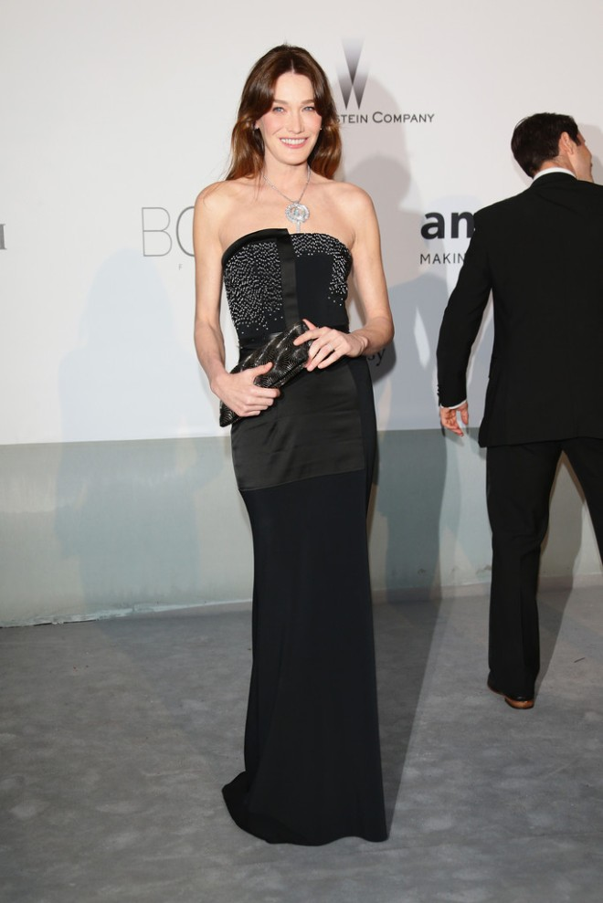 carla-bruni-sarkozy-amfar-21st-cinema-against-aids-gala-maxime-simoens-resort-2014-gown