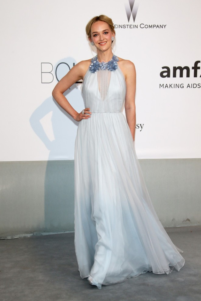 jess-weixler-amfar-21st-cinema-against-aids-gala-cap-dantibes-france-honor-fall-2014-gown