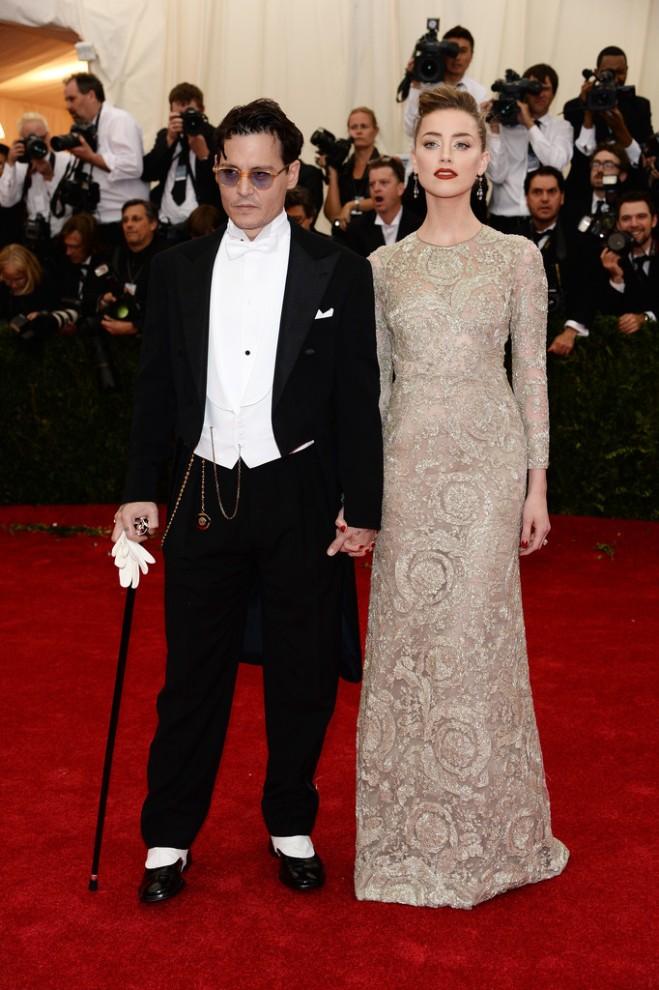 johnny-depp-amber-heard-2014-met-gala-giambattista-valli-spring-2013-couture-gown