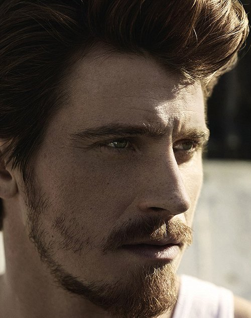 garrett-hedlund-by-john-balsom-for-man-of-the-world-issue-no-8-4