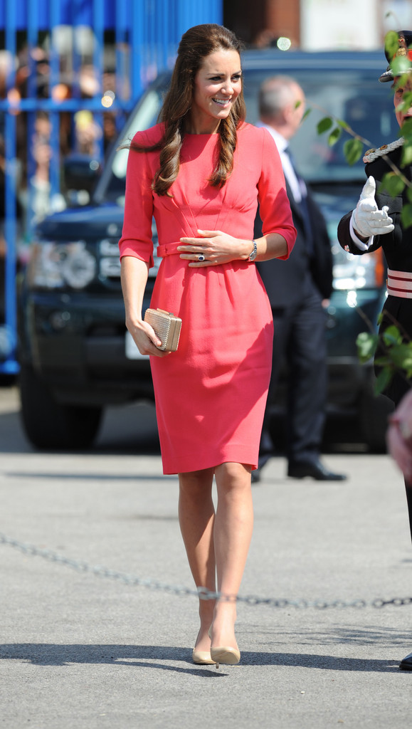 catherine-duchess-of-cambridge-counseling-program-blessed-sacrament-school-london-goat-scarlett-pleat-front-dress-jimmy-choo-gilbert-pumps-lk-bennett-natalie-clutch