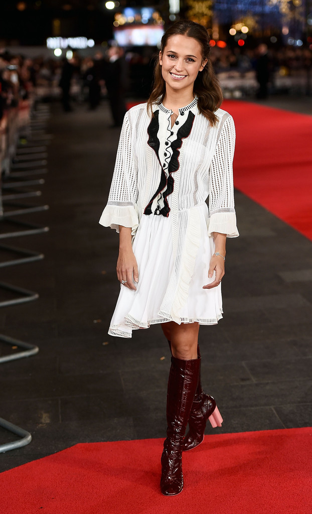 alicia-vikander-testament-of-youth-uk-premiere-london-louis-vuitton-spring-2015-2