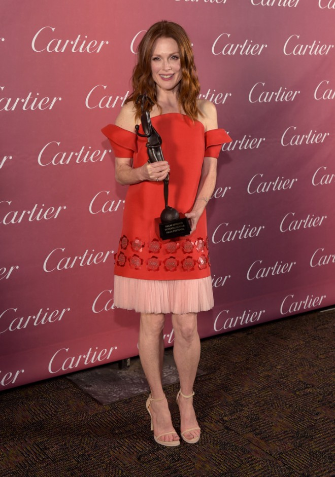 julianne-moore-26th-annual-palm-springs-international-film-festival-delpozo-spring-2015-1