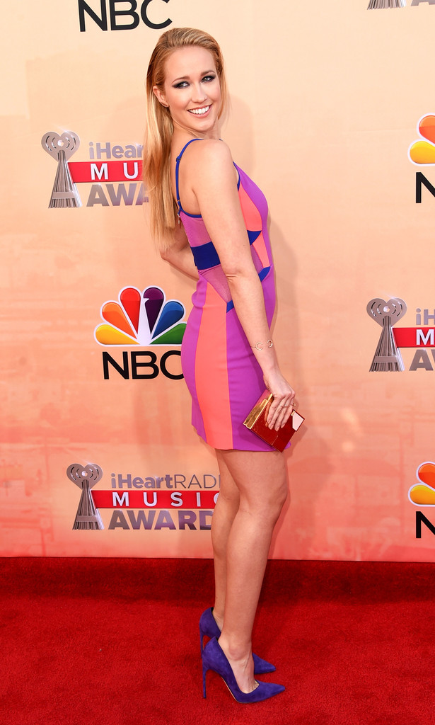 Get Anna Camps Three Floor Iman Dress And Brian Atwood Marella Pumps Worn At The 2015