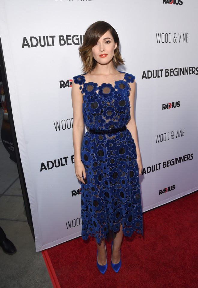 Rose+Byrne+Premiere+RADiUS+Adult+Beginners-hollywood-christopher-kane-fall-2015-1